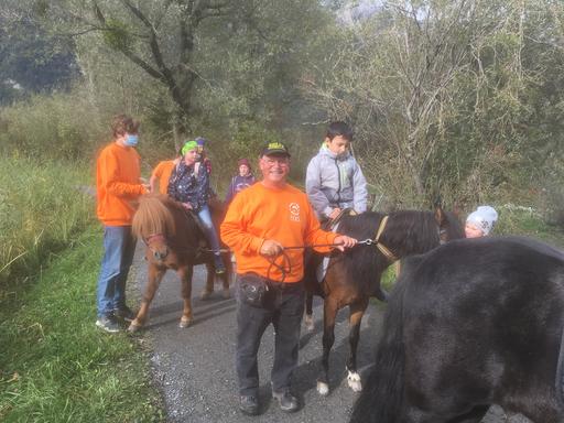Mit dem Pony unterwegs im Reussdelta